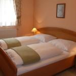 Geräumiges Schlafzimmer im Parterre